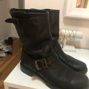 Frye Veronica Short Leather Black Boot